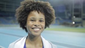 Antônio Marcelo Machado Corrêa, de 10 anos, pratica futebol e atletismo quatro vezes por semana e aos sábados e domingos ainda arranja tempo para um curso de coroinha. Ele é um dos atletas mirins que participam do video oficial da canção tema dos Jogos Olímpicos Rio 2016.